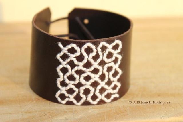 Bracelet. Peano curve.